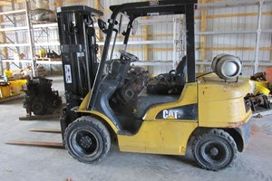 Caterpillar P6000  Forklift