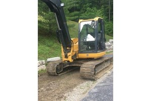 2011 John Deere 85D  Excavator