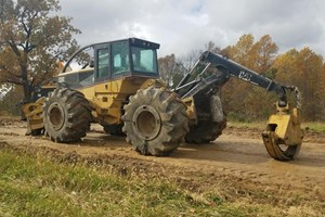 2001 Caterpillar 525B  Skidder