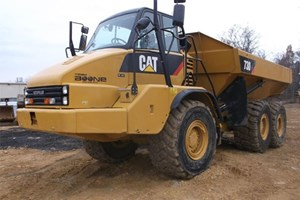 2013 Caterpillar 1067  Articulated Dump Truck
