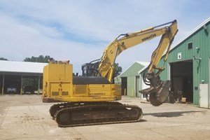 2002 Komatsu 228  Brush Cutter and Land Clearing